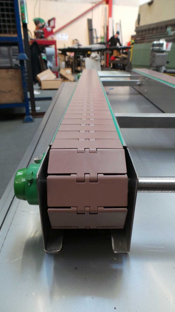 close up of slat conveyor